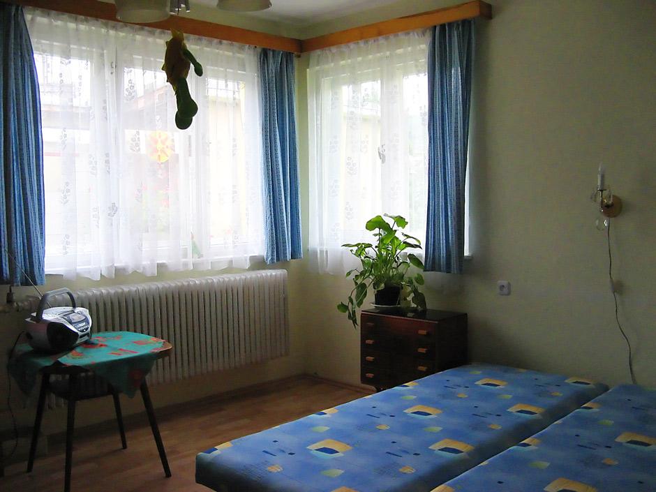 Spálňa 4L