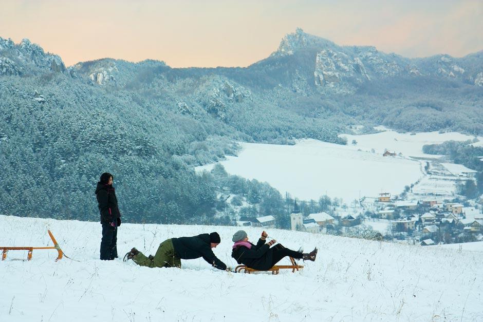 Zima Sulovske skaly sankovanie